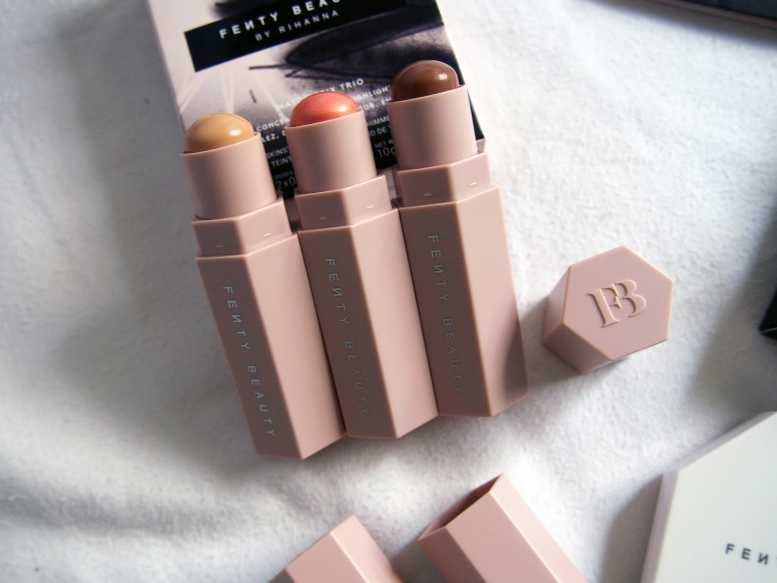 Корректор Fenty Beauty в Ангарске