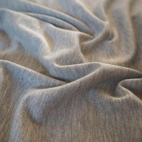 Трикото жарсе се изработва от памук и се използва за изработката на тениски, блузи и спортно облекло