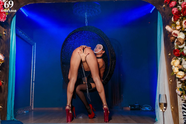 Секс в вип кабинке стриптиз бар видео, просмотр русской порнухи медсестер