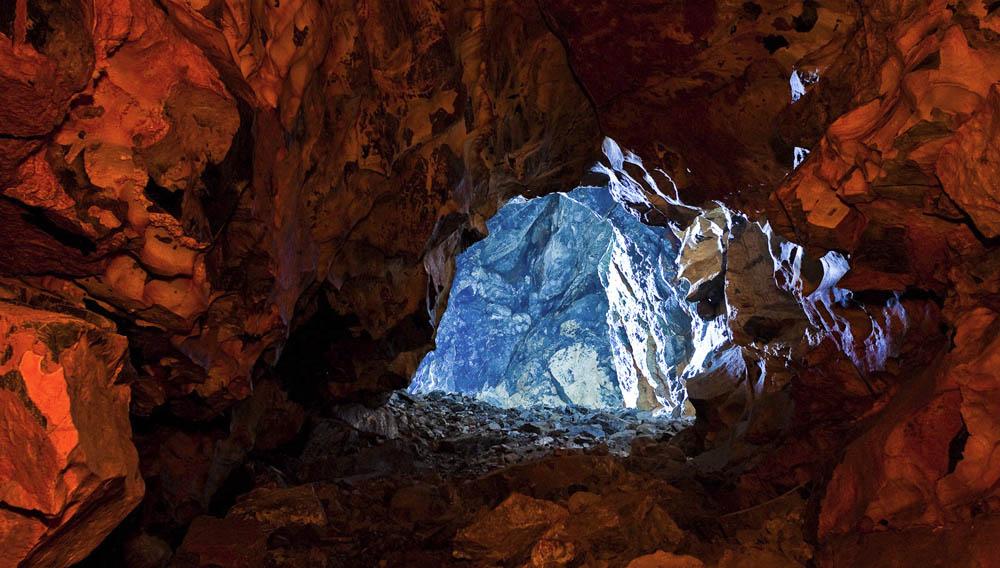 Охотничья пещера Байкал