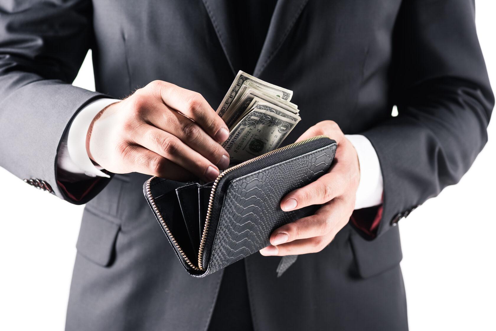 Самозанятые лица будут платить налоги. Новый законопроект