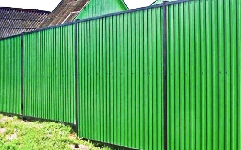 Забор из профнастила с рамкой
