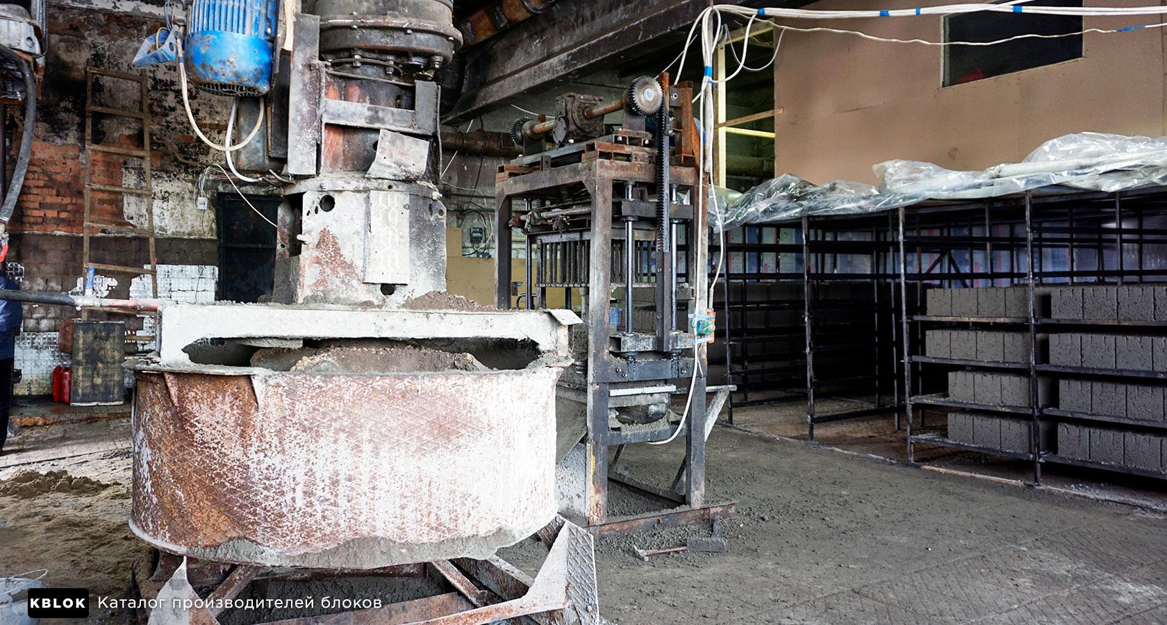 внутри цеха по производству керамзитоблоков