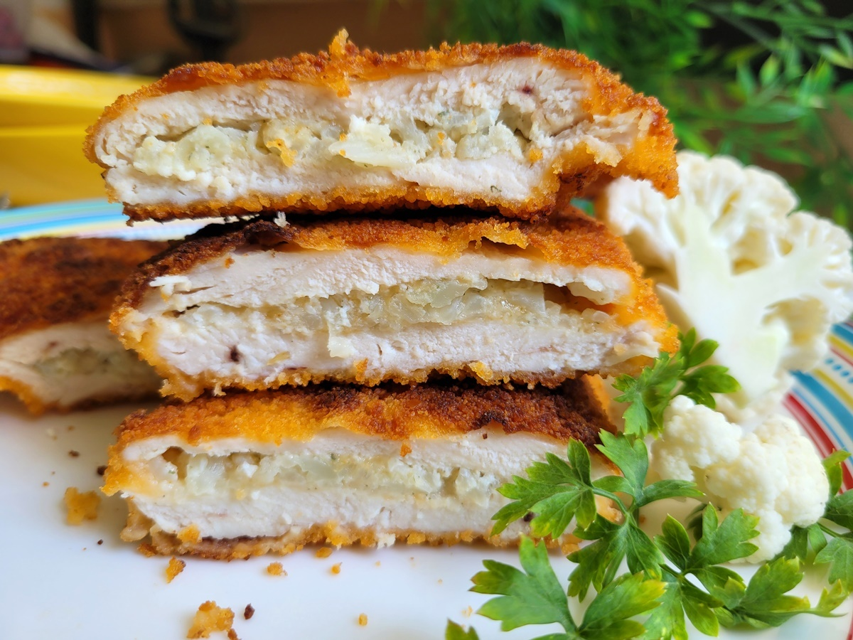 Куриный шницель с начинкой из цветной капусты. Фото рецепт. Вкусный Израиль.