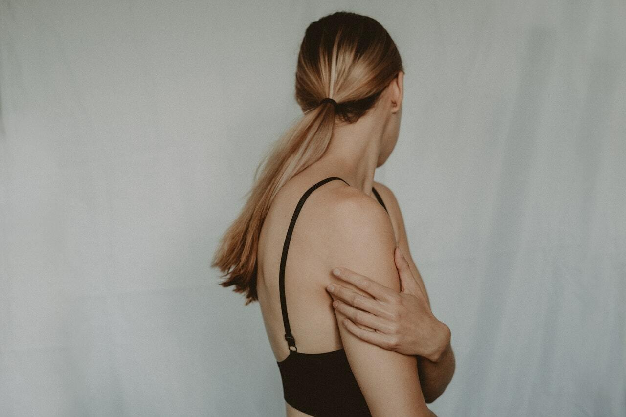 Киста молочной железы: что такое, причины возникновения и что делать - фото 1