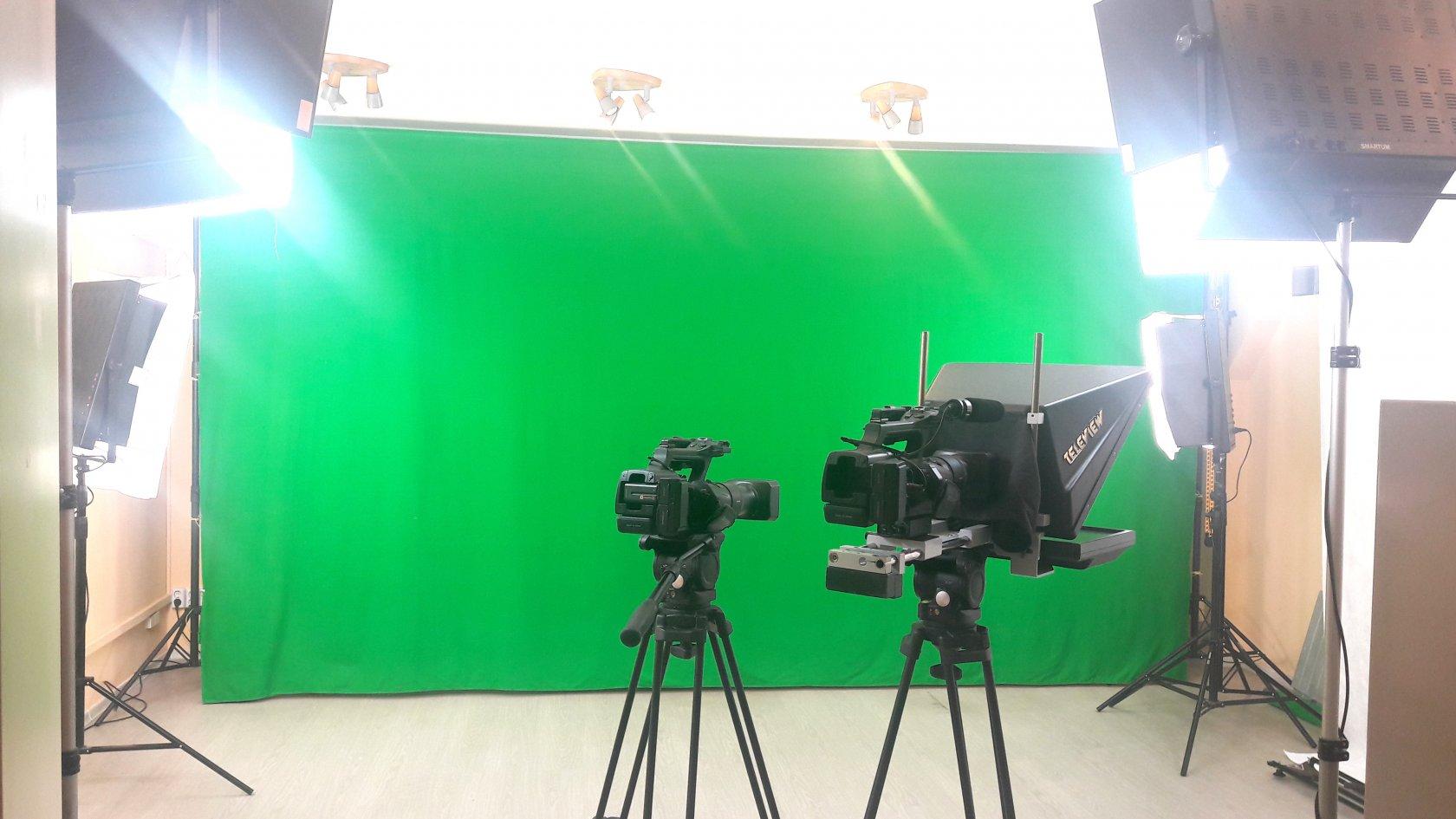 студии для съемки видео водителем партнеров