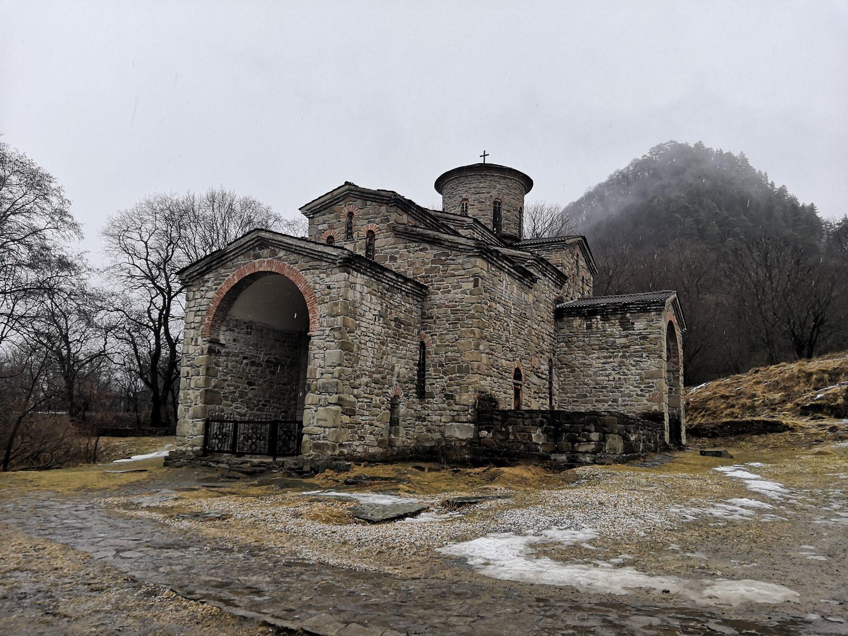 Аланский храм в Архызе