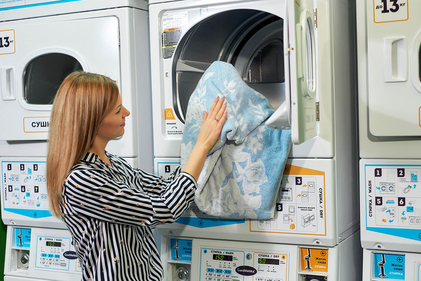 Сушка в пяти температурных режимах в зависимости от вида ткани, доступны три сушильные машинки с объемом бака 100 литров