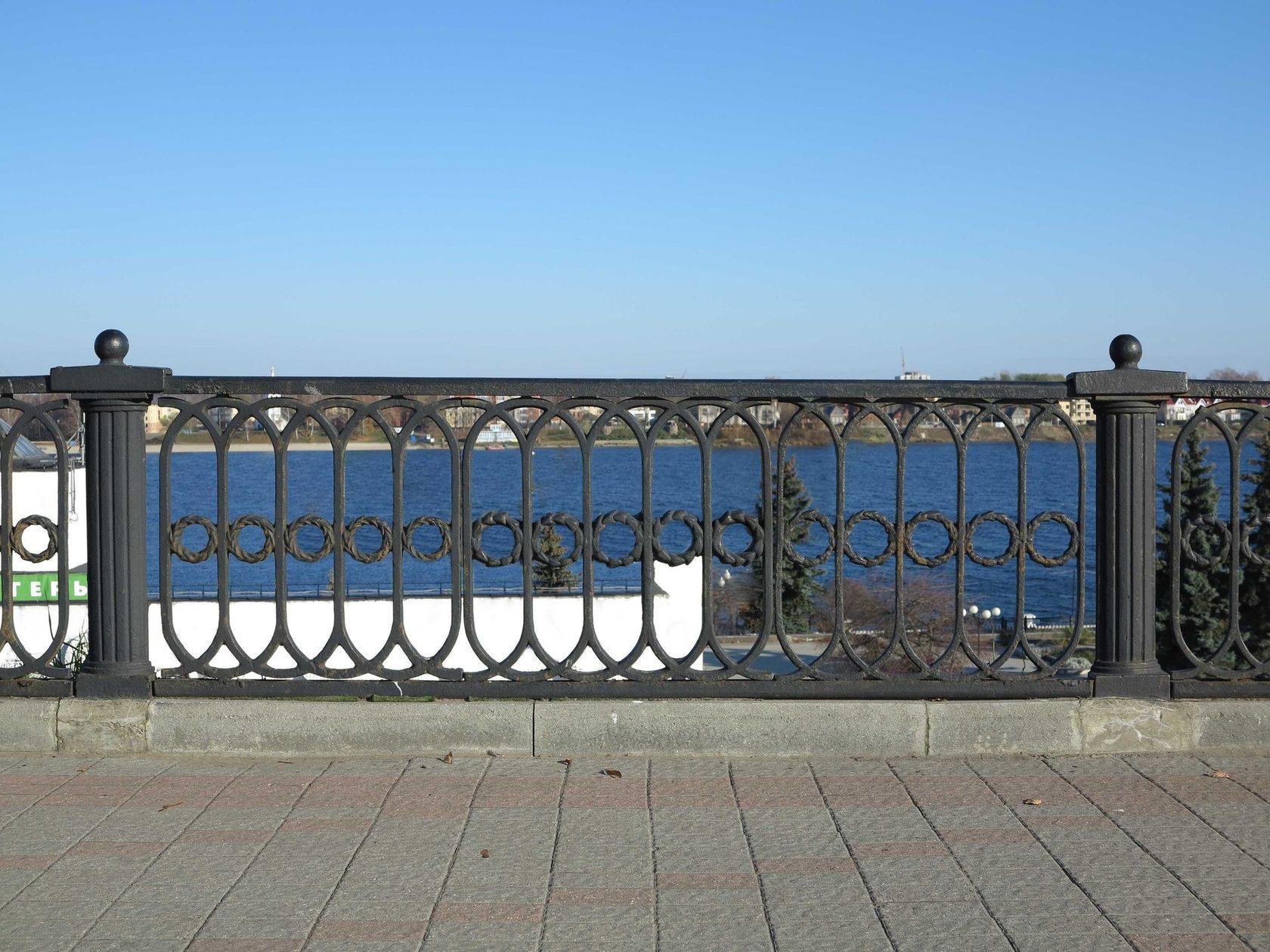железобетонному столбу ограды набережных москва реки фото картинки фото