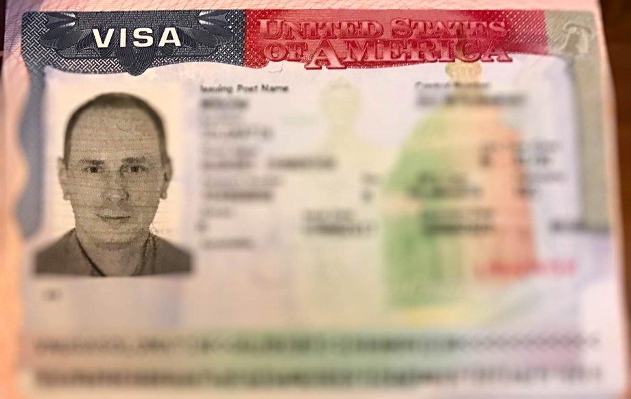 Как получить визу в США и что означают звездочки под фото?