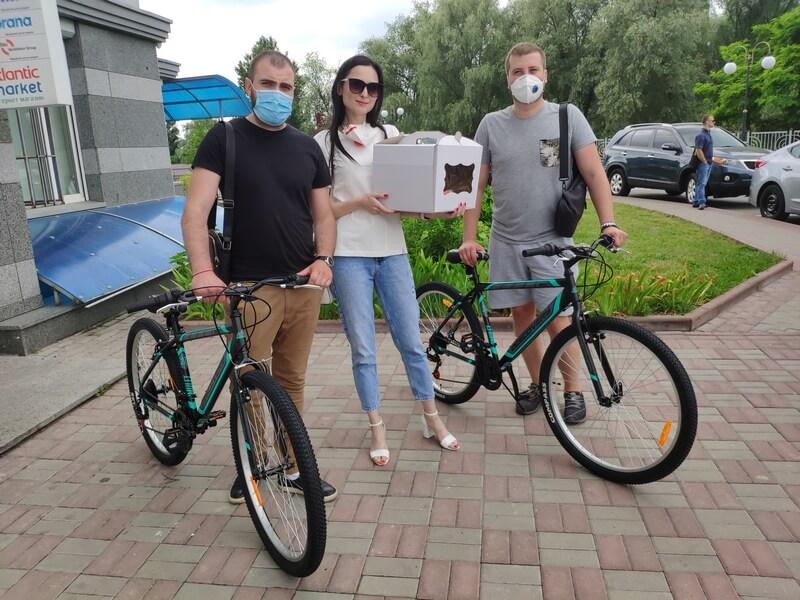 партия шария подарила велосипеды детскому дому - фото