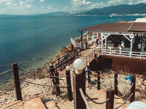 в глэмпинг на Черное море в июне