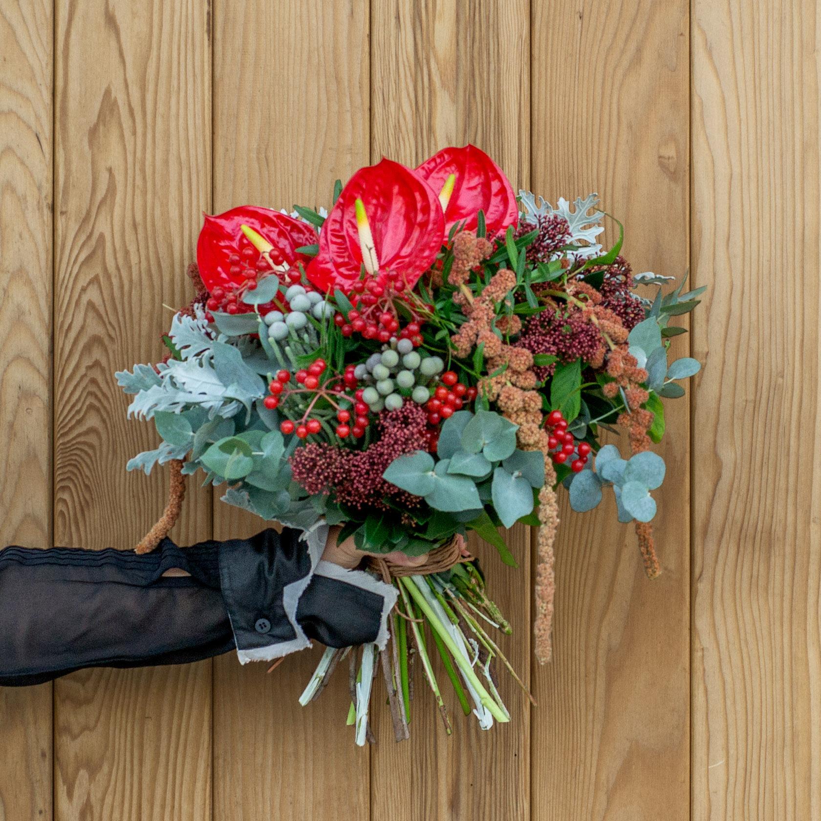 Цветы, букет с антуриумами