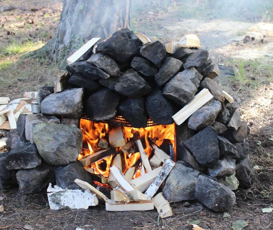 Печь из камней для походной бани