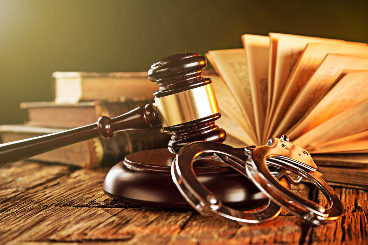 Картинки по запросу Адвокат по уголовным делам