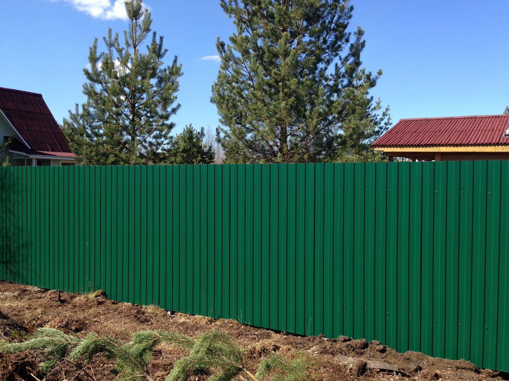 Картинка забор из профлиста