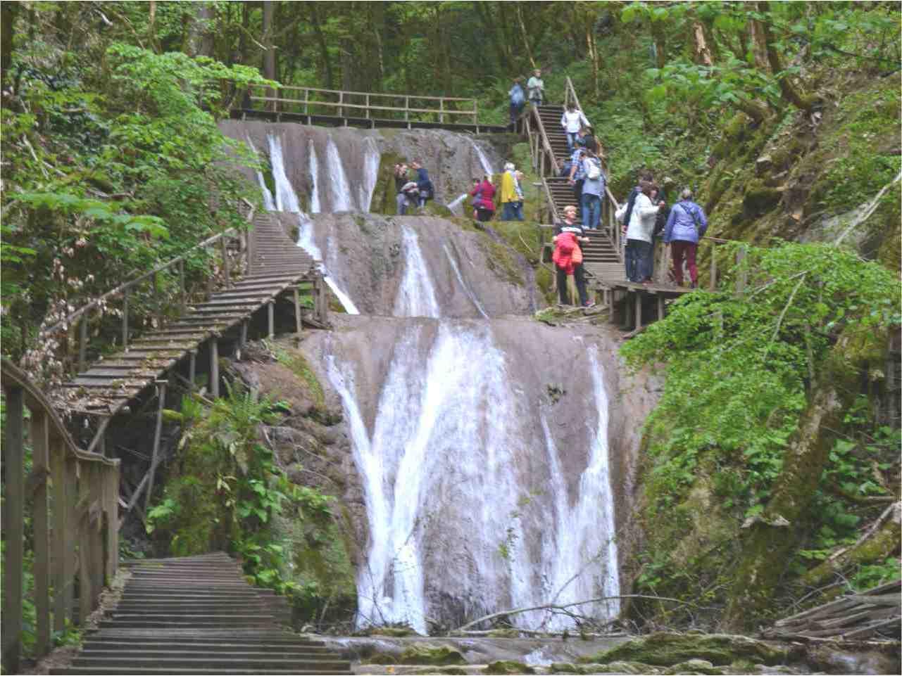 Тур на 33 водопада, обзор экскурсии