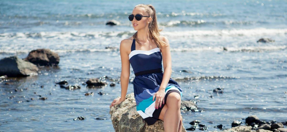 Вижте как да изберете перфектната рокля онлайн според размер, дължина и силует от Ефреа - български производител на дамска мода в стандартни и големи размери.