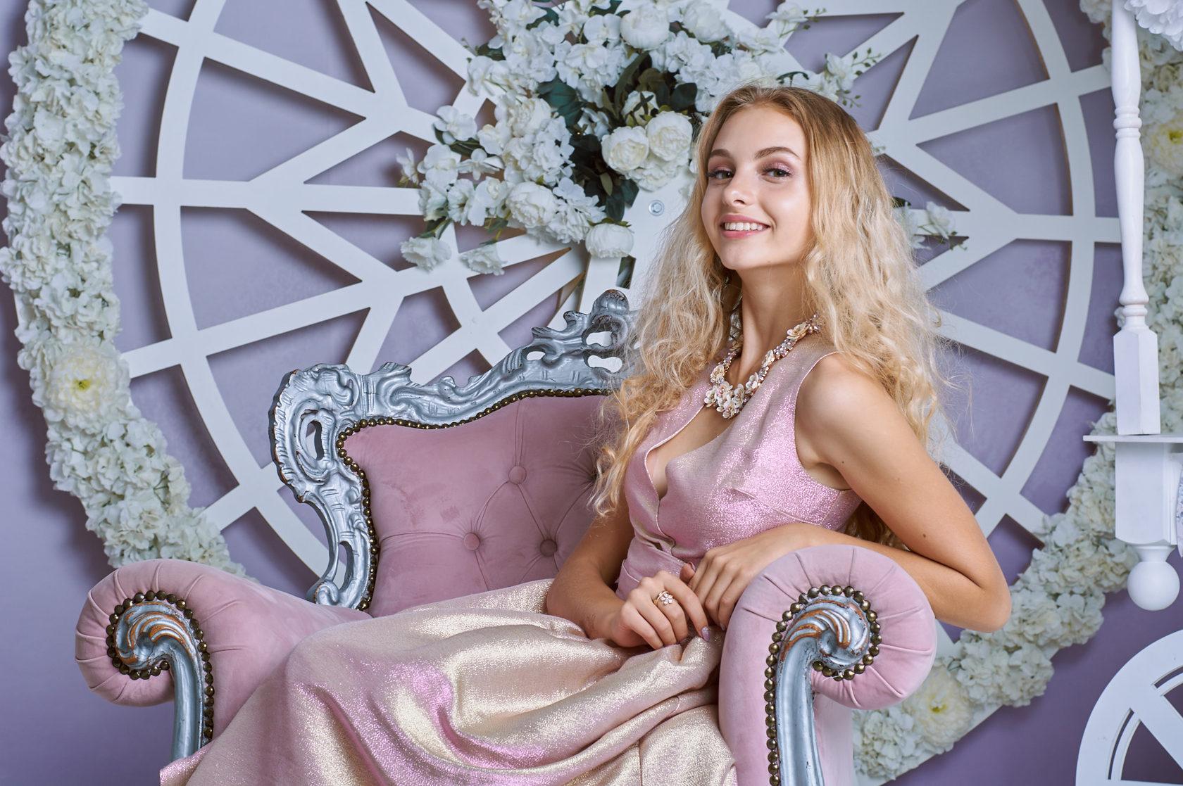 произведении описывается студийная фотосессия в королеве это