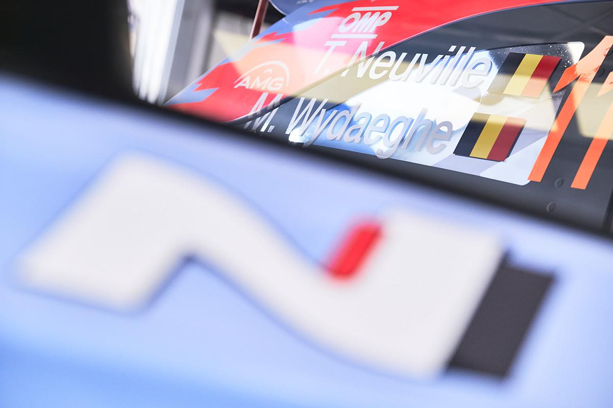 Hyundai i20 Coupe WRC Тьерри Невилля и Мартейна Видаге, ралли Ипр 2021