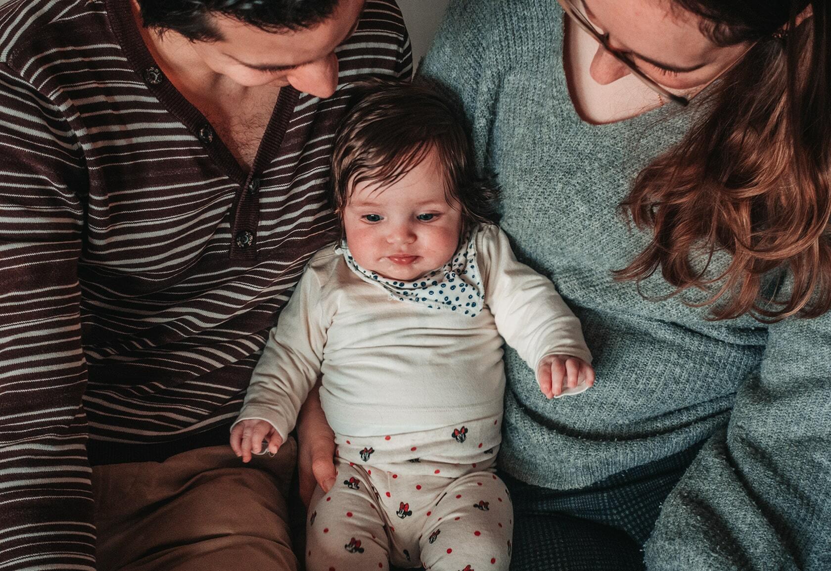 Foto van een gezin van bovenaf uit fotografie collectie mensen van Simon Wijers