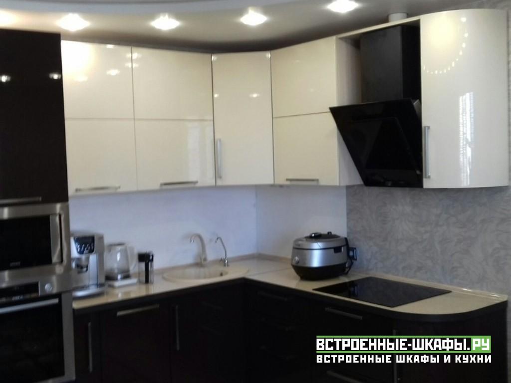 Угловая кухня МДФ эмаль в современном стиле