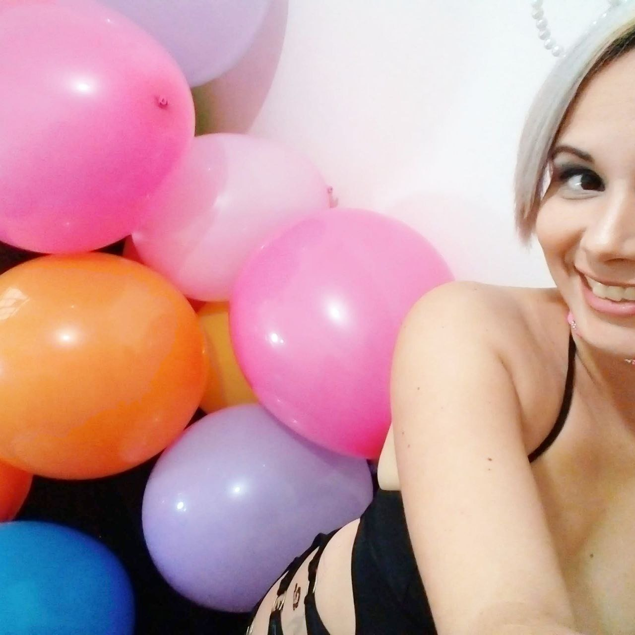 Fabi ready to be with balloons