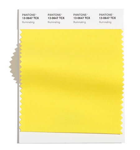 Жълтият цвят illuminating беше един от цветовете на Pantone за цялата 2021 г. Вероятно модната тенденция да се носят жълти дрехи ще продължи и през зимата на 2022 с копнеж към слънчевите лъчи.