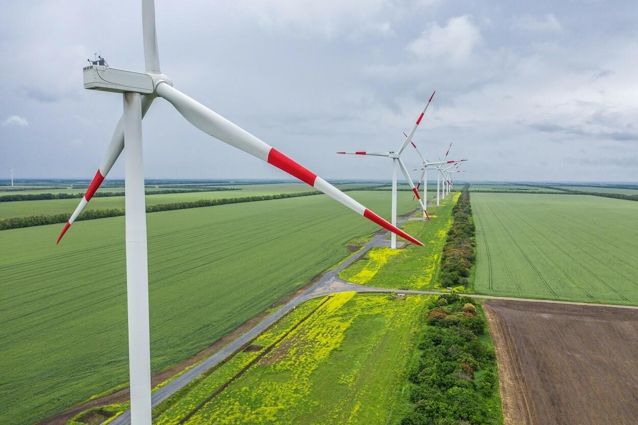 Компания «Энел Россия» ввела первый ветропарк