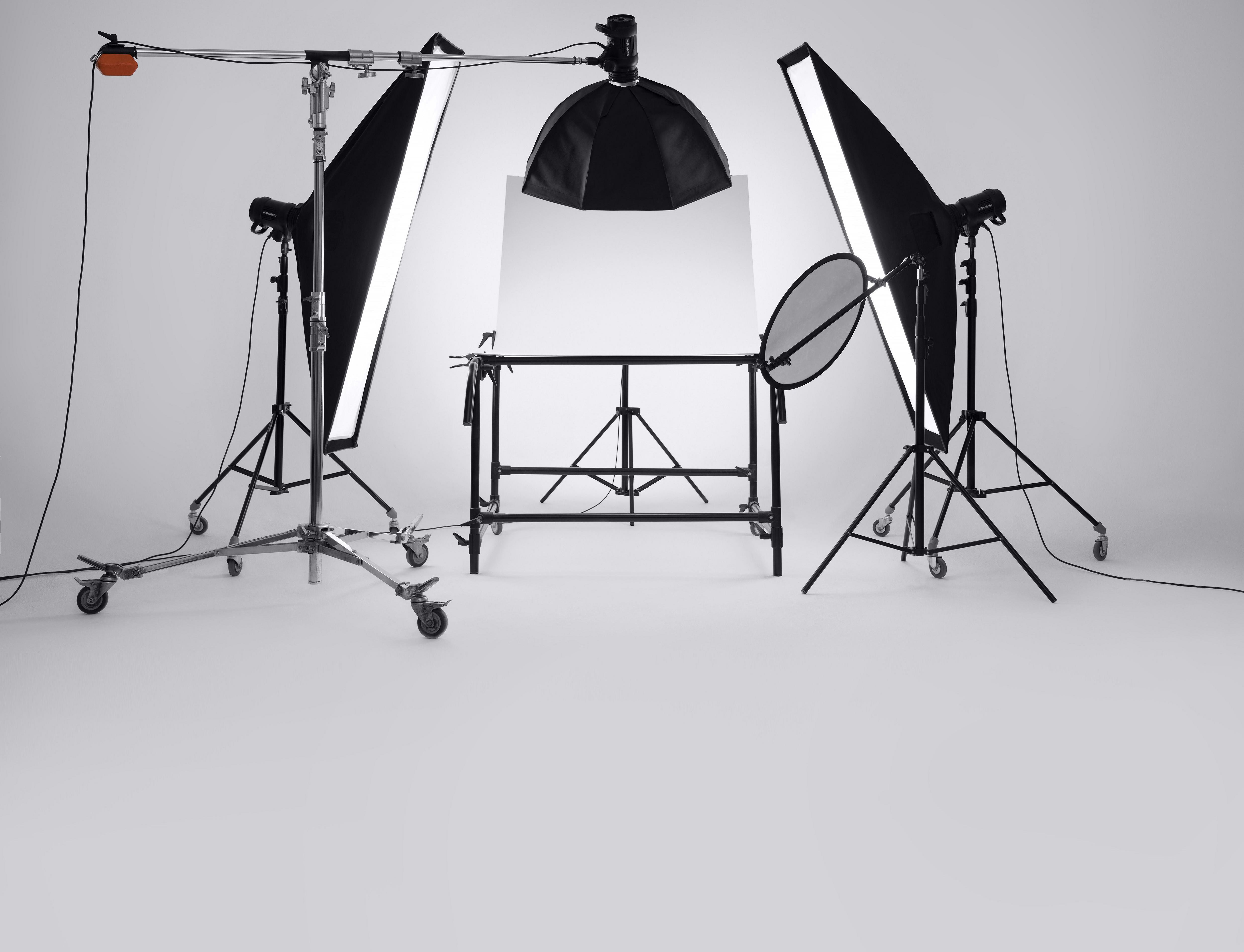 чего фон для фотографирования одежды на столе так много изобретателей