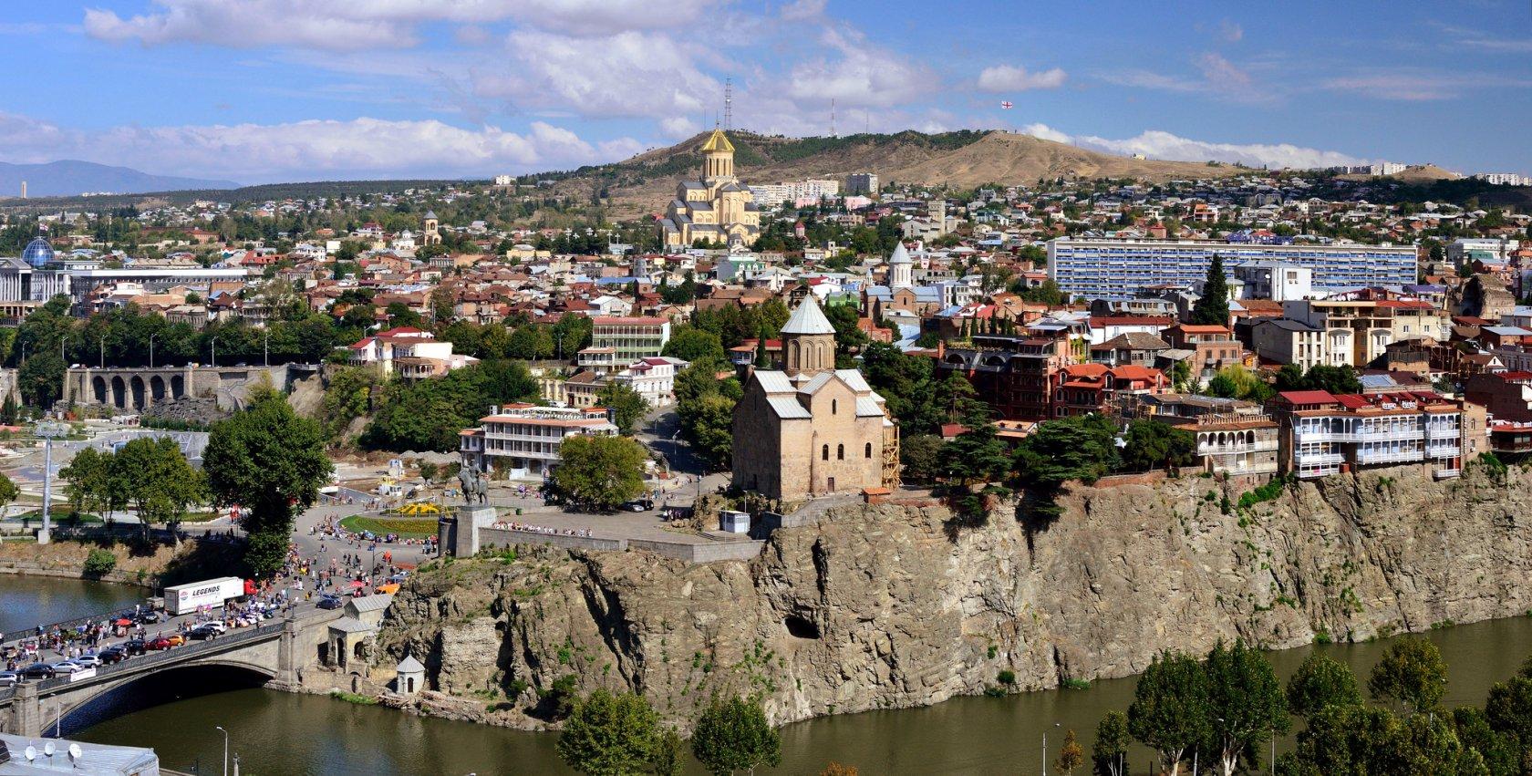 Как бюджетно слетать из Казани в Тбилиси: билеты, отель, аренда авто, экскурсии - 22,450 руб.