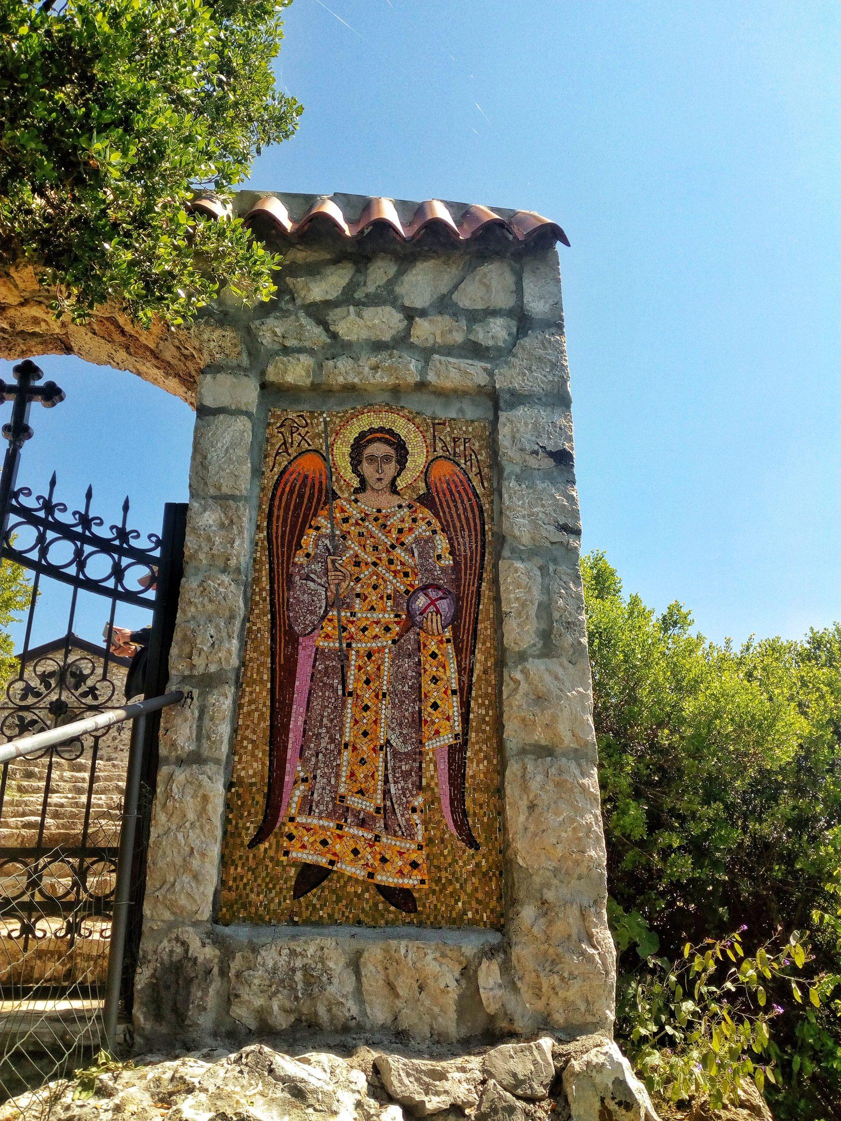 фото монастырь ком, фото ком черногория, монастырь скадарское озеро