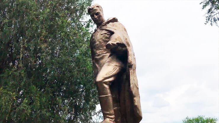 Памятник Неизвестному солдату - фото