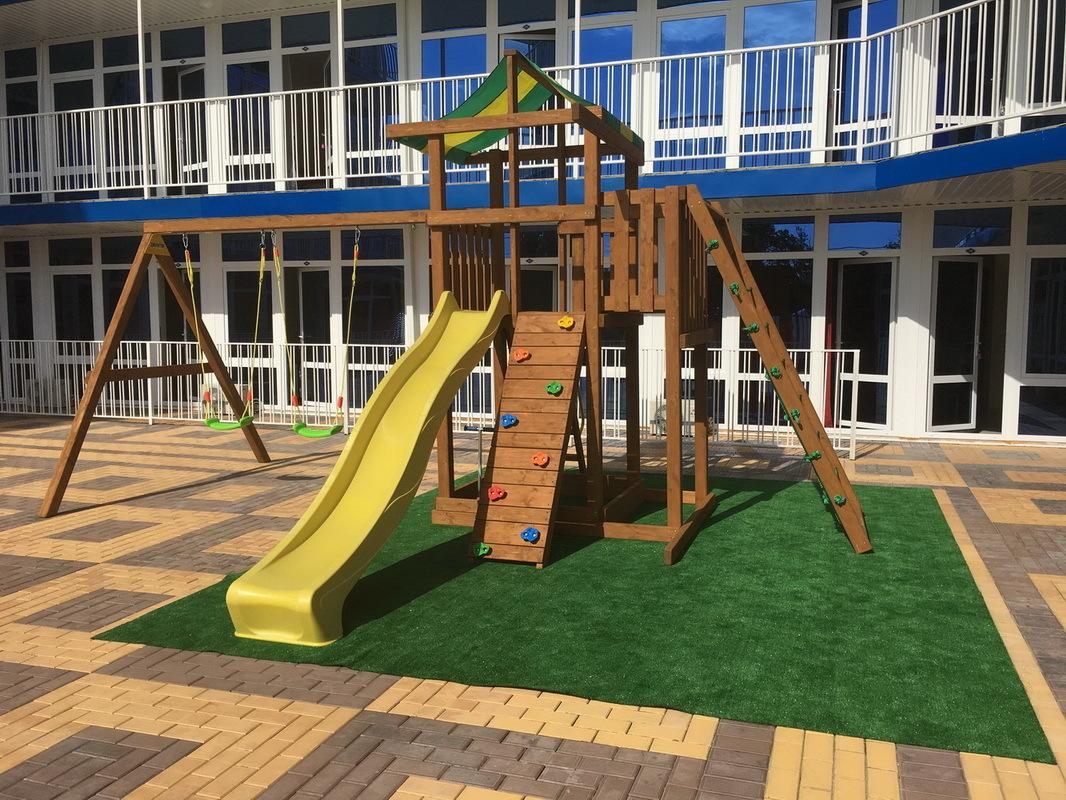Детская игровая зона с аниматорами в отеле Марсель, Лермонтово
