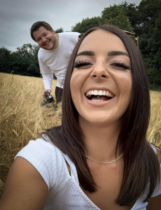 Ben and Roxy - new balloon fetish studio in UK