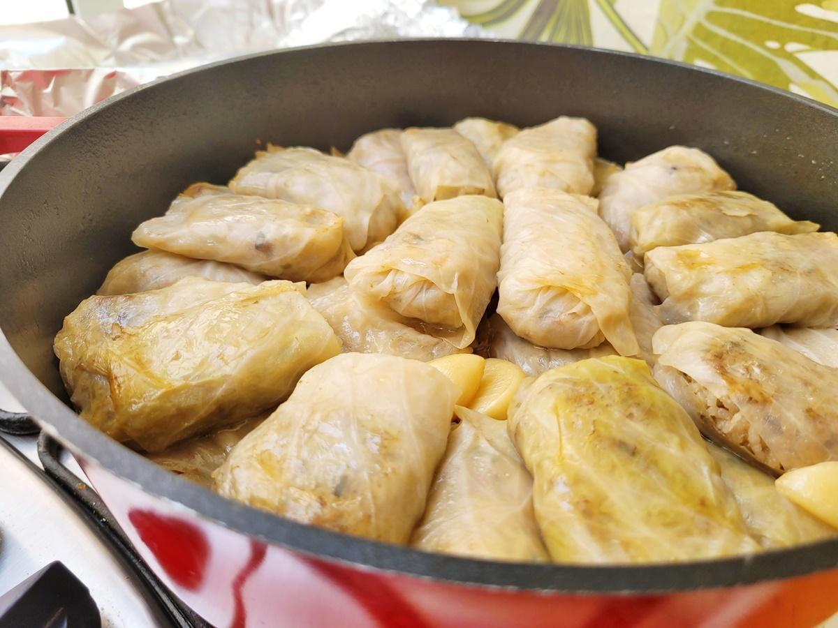 Голубцы с соусе из пива и яблок. Израильская кухня - вкусно, просто и полезно. Рецепт.