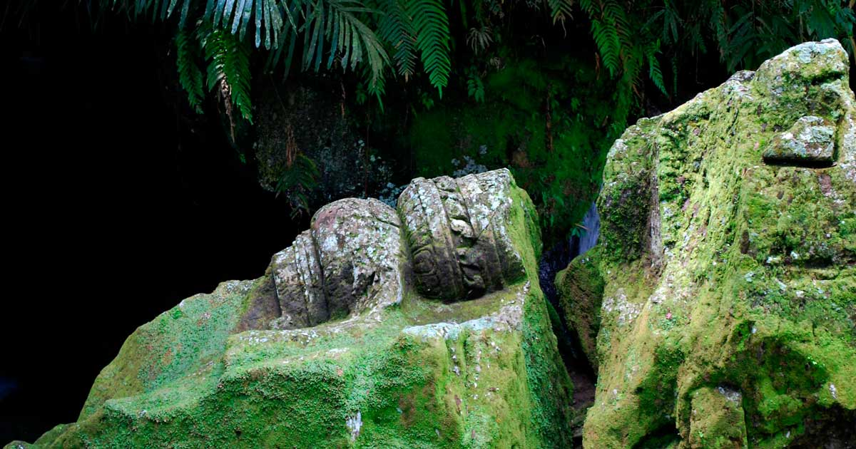 Пещера Гоа Гаджа в Убуде на острове Бали (Goa Gaja)