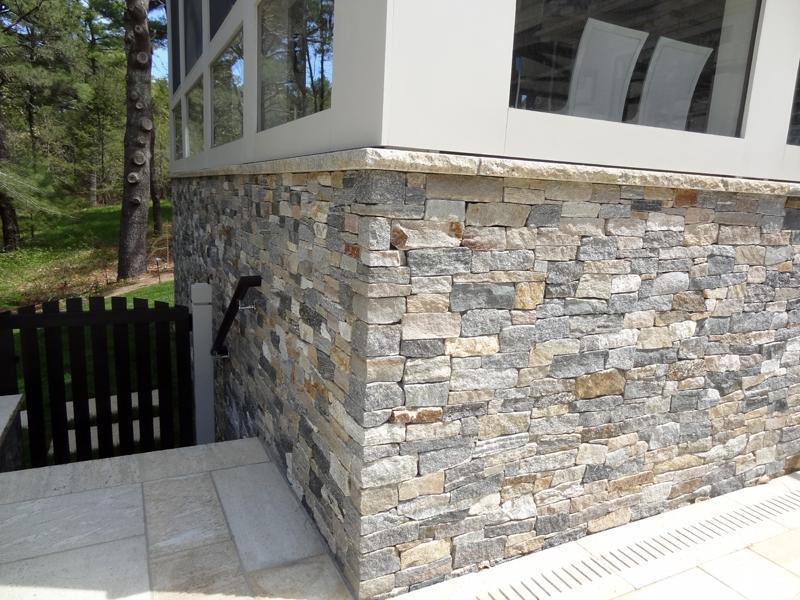 природный камень для цоколя дома