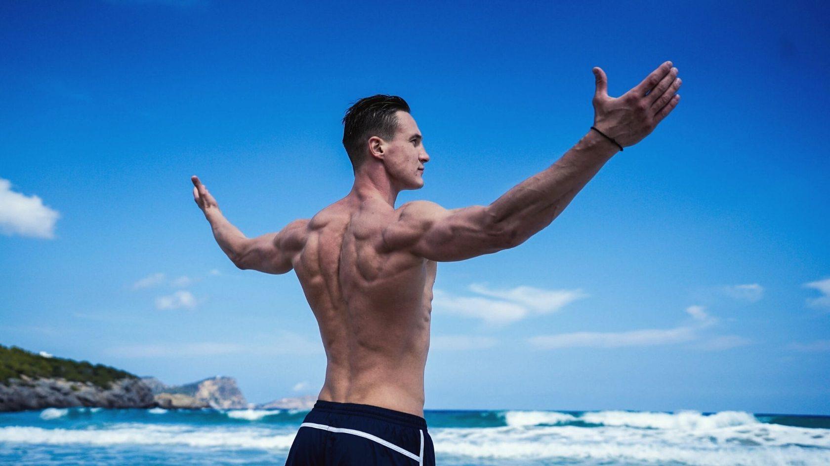 12 упражнений для спины