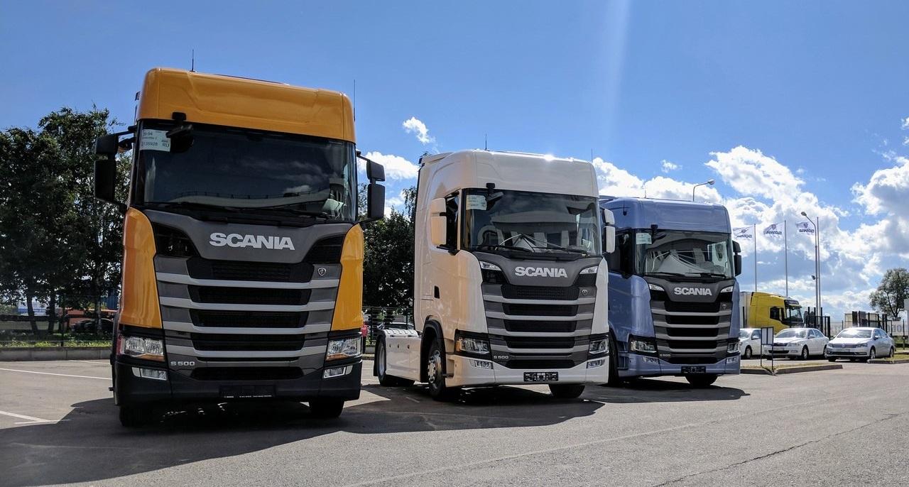 В августе 2017 года первые экземпляры новейшего седельного тягача Scania S500 обрели своих владельцев в России (фото: Scania)