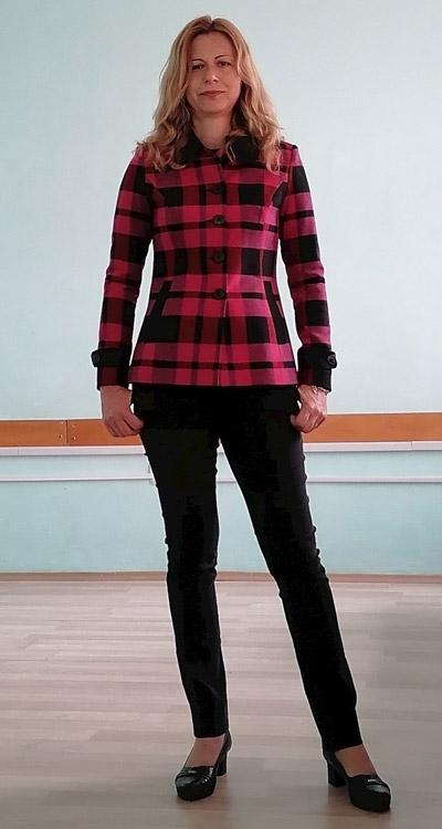 Дамско вълнено сако / палто в каре розово и черно от Ефрея.