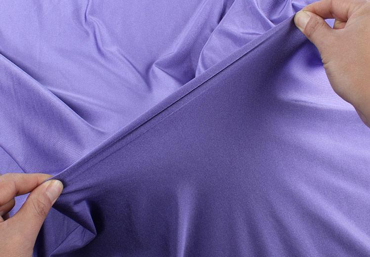 Спандекс, еластан или ликра е синтетично влакно, което придава голяма еластичност на дрехите.
