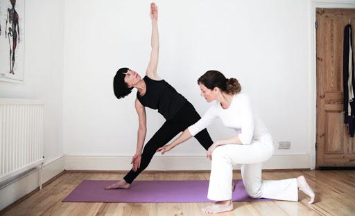 Как выбрать одежду для йоги