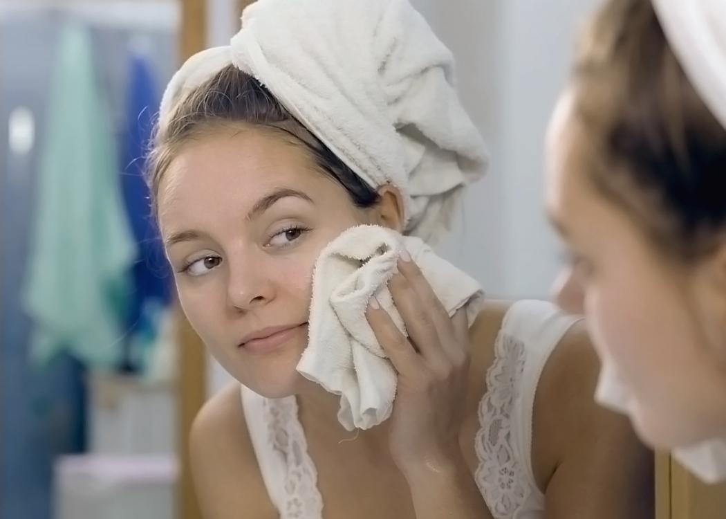 очищаем кожу с помощью гидрофильного масла Booster Bar