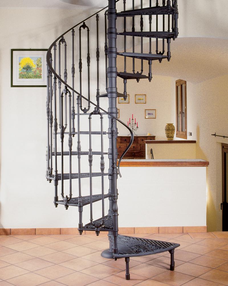 классическая чугунная лестница