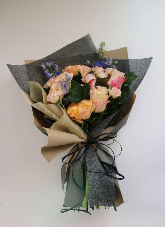 Базы цветов, красиво упаковать букет