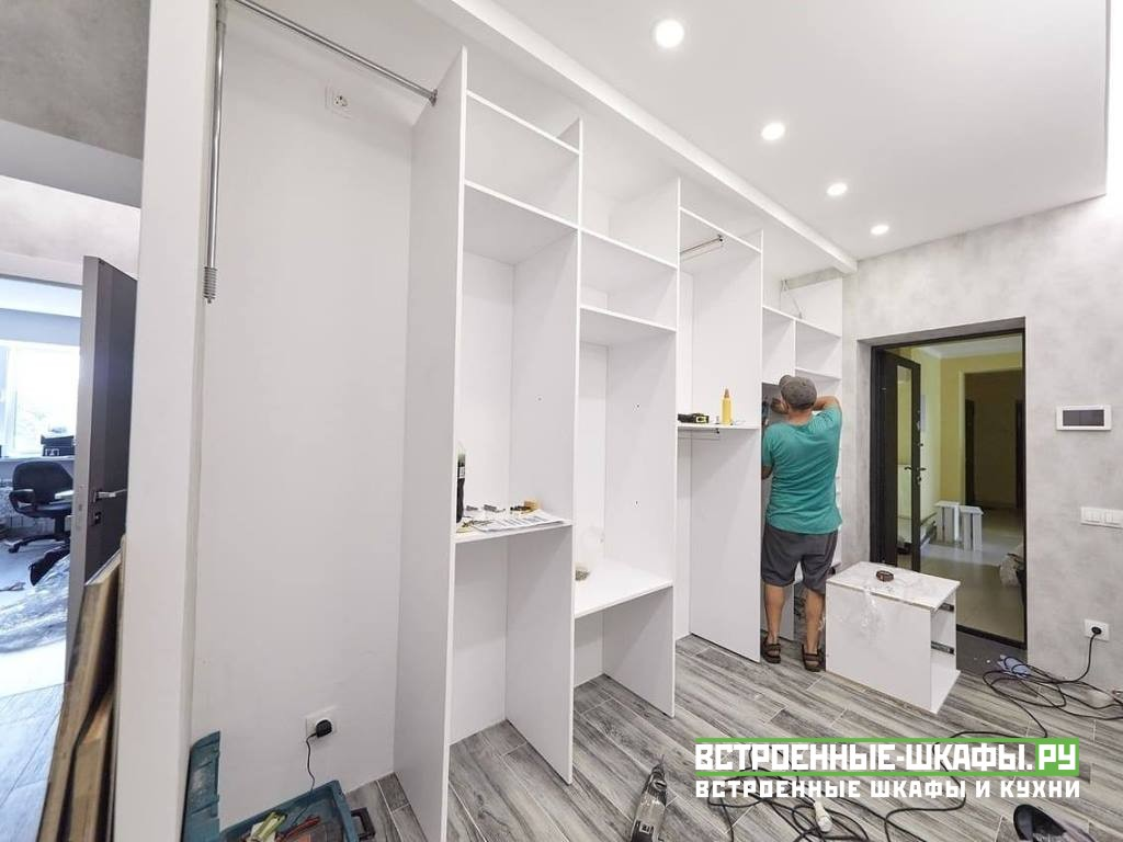 Встроенный шкаф купе в прихожую с зеркалами