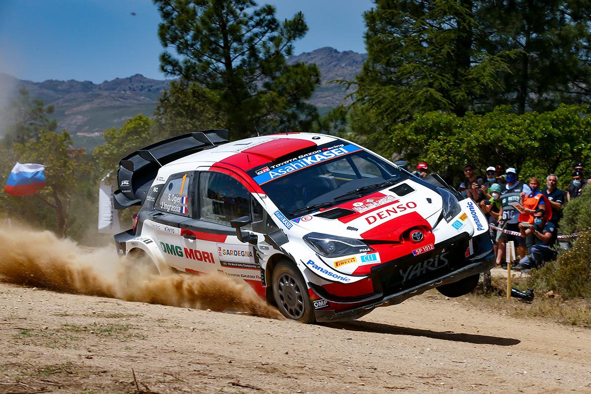 Себастьен Ожье и Жюльен Инграссиа, Toyota Yaris WRC, ралли Сардиния 2021