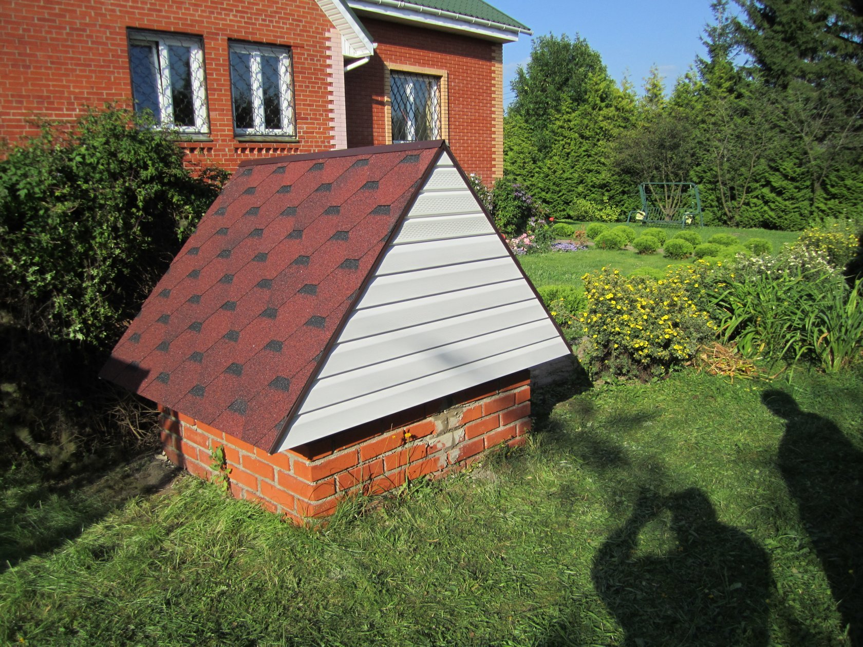 домик для скважины на даче фото под