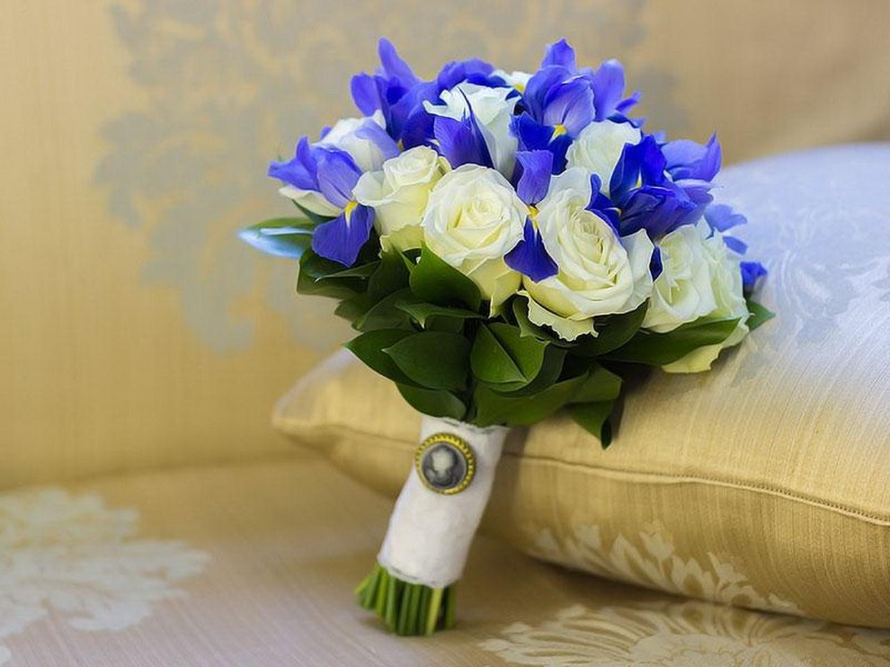 Доставкой, букет невесты синий или голубой
